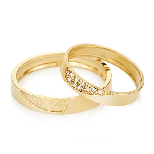 Alianças-de-casamento-em-ouro-amarelo-e-diamante-One-Love-Vivara1