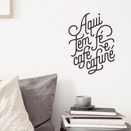 adesivo-parede-frases-pequenas-causas-cafe-fe-cafune