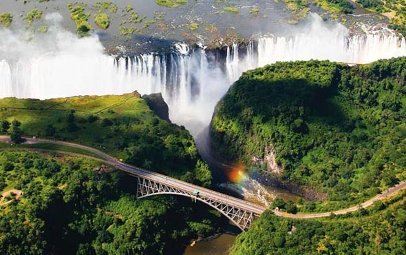 Africa-South-Africa-South-Africa-Victoria-Falls-590x370