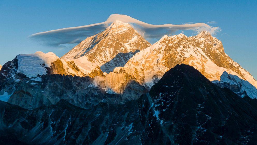 GTY-Mt-Everest-MEM-170525_16x9_992