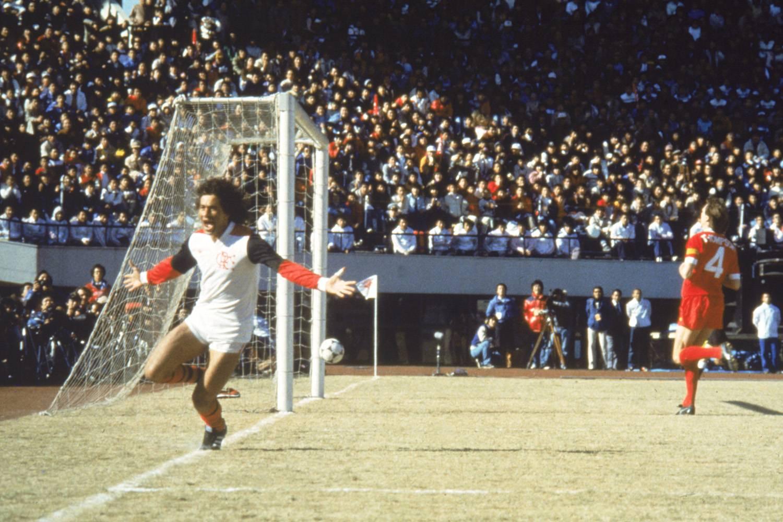 nunes-do-flamengo-comemorando-gol-contra-o-liverpool-pelo-campeonato-mundial